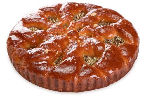 Сдобный пирог с орехом
